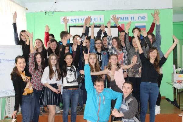 """Activități de instruire la Vulcănești, în cadrul proiectului """"Uniți prin dialog intercultural""""."""