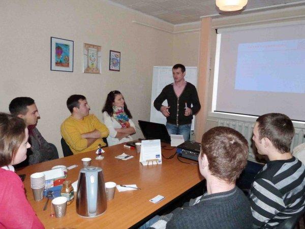 Voluntarii Centrului Pro-Europa instruiți în domeniul comunicării