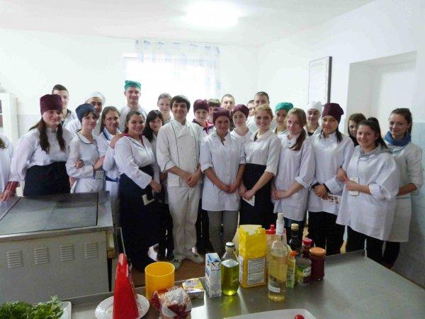 Bucătar-șef din capitală oferă master-class la școala profesională din Ceadîr-Lunga