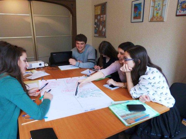 Programul european Erasmus+ în atenția Clubului de Discuții