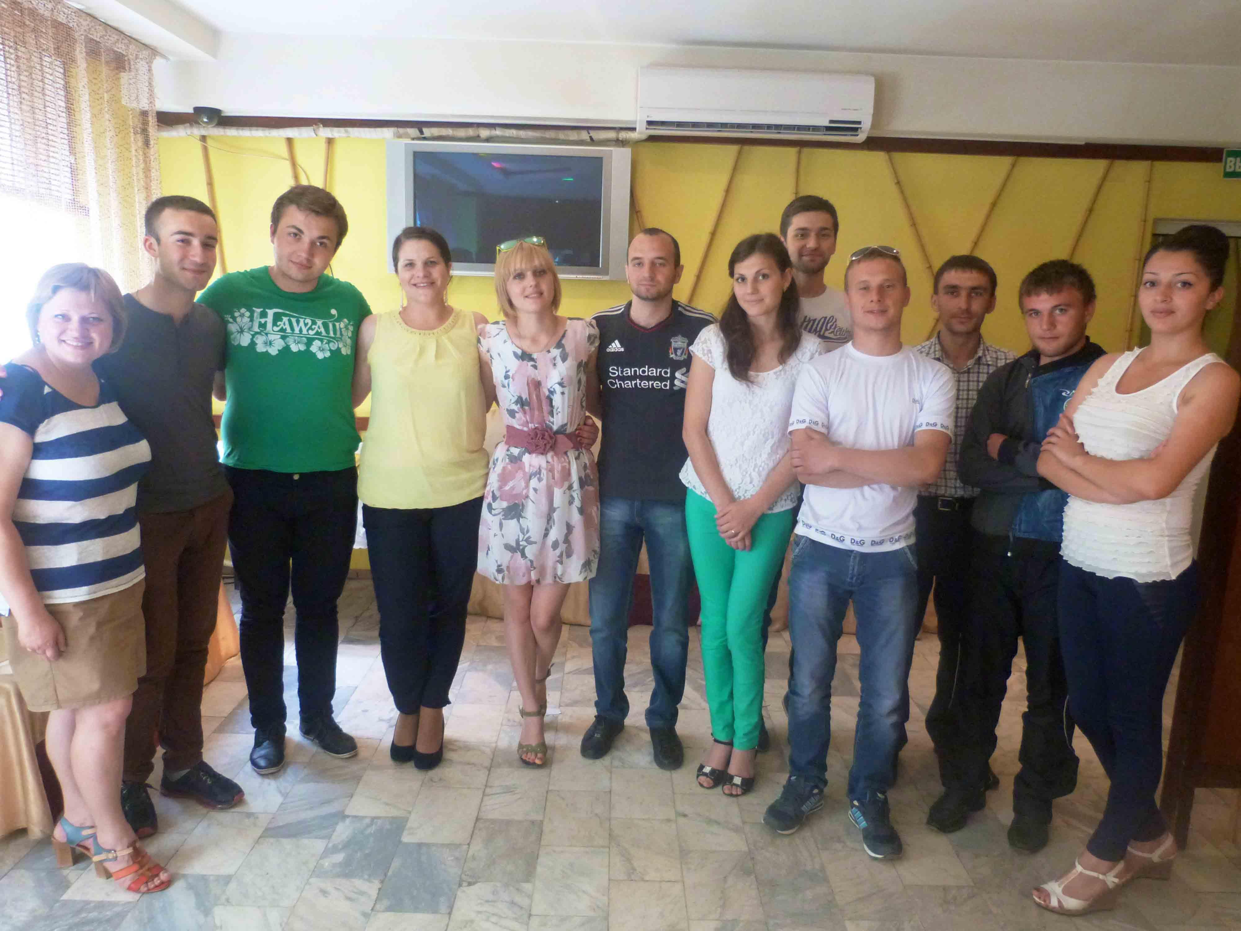 """Centrul European """"Pro-Europa"""" din Comrat organizează training pentru voluntari pe administrarea proiectelor"""