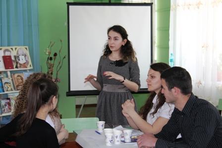 Voluntarii din Vulcănești dezbat oportunitățile educaționale pentru tineret